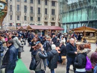 Vörösmarty tér, tavaszi vásár